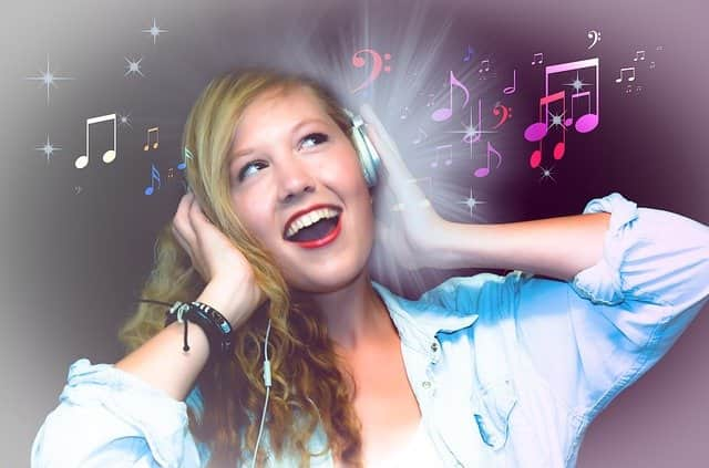 make money by listening music